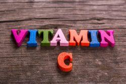 Нехватка витамина С у детей: симптомы, лечение, обзор продуктов и препаратов