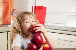 Нехватка железа у ребенка: симптомы, лечение, обзор продуктов и препаратов