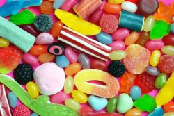 Продукты и привычки, разрушающие зубы
