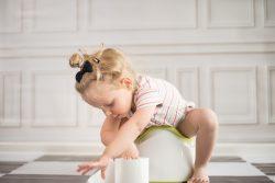Пищевые отравления у детей: симптомы и лечение