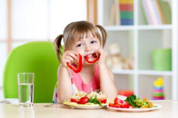 Правильное питание детей: 10 подсказок для родителей придирчивых едоков
