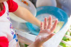 Чем мыть детскую посуду?