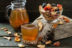 Как правильно варить компоты из сухофруктов: советы для мам, рецепты