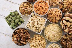 Можно ли детям есть орехи: рекомендации по употреблению, польза и вред орехов