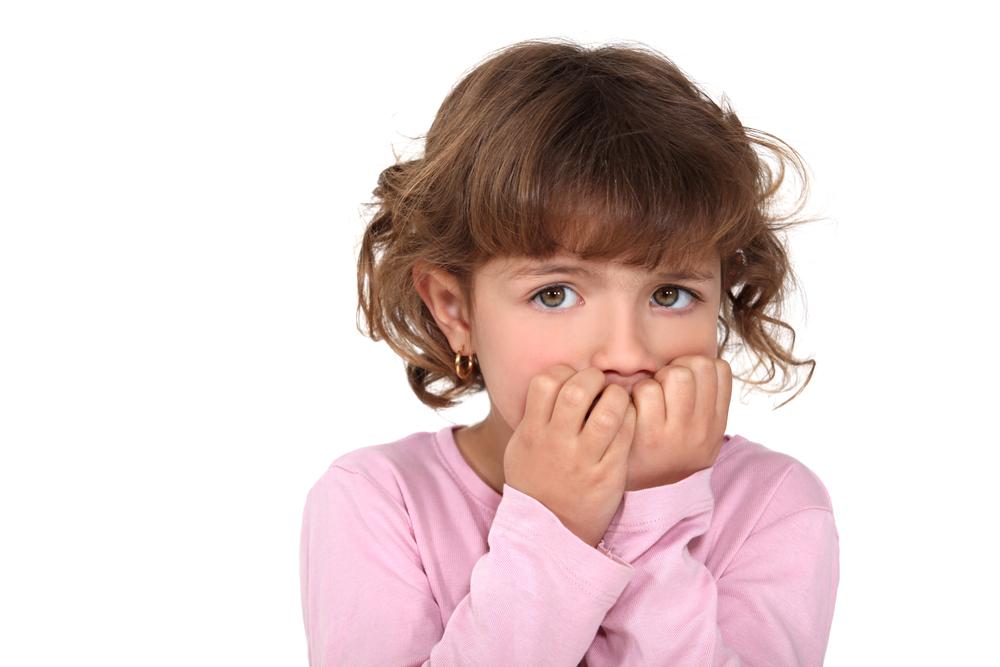 Как родителям отучить ребнка грызть ногти