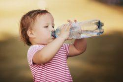 Сколько ребенок должен выпить воды
