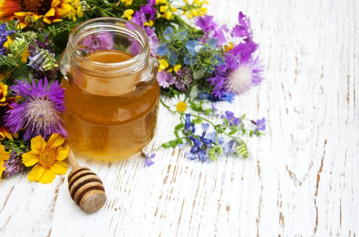 Отличительные признаки и полезные свойства померанцевого меда