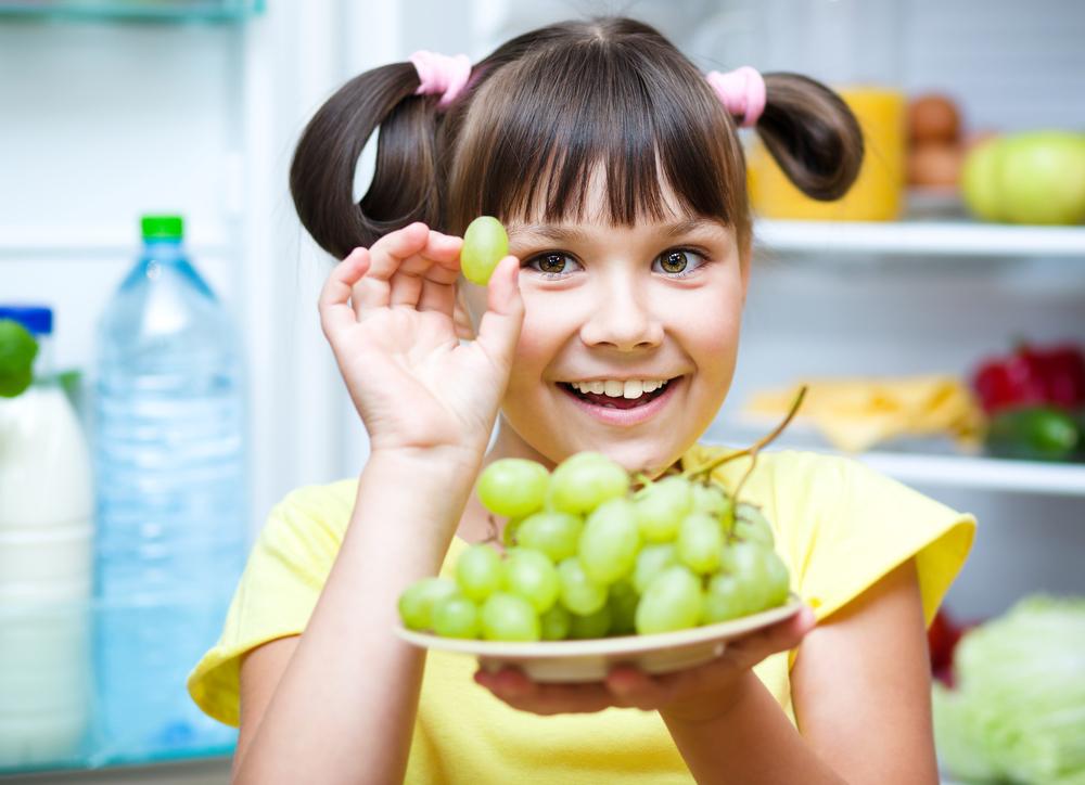 Когда можно давать ребенку виноград кишмиш