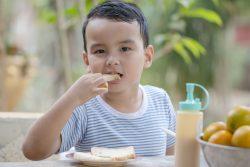 Сгущенное молоко: польза и вред для здоровья детей
