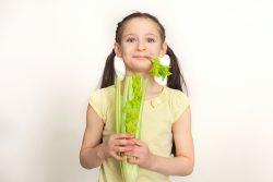 Корень сельдерея: польза и вред для ребенка