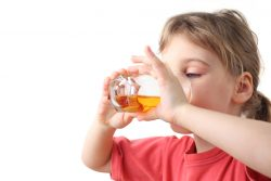 Зеленый чай детям: можно ли, с какого возраста, польза и вред