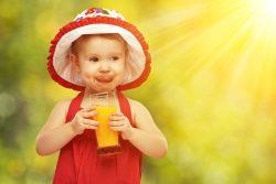 Как и когда вводить сок в прикорм?